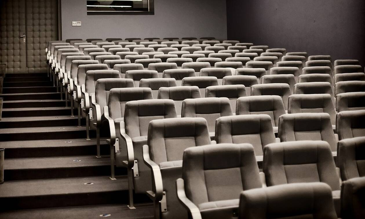 ΣΟΚ: Πήγε σινεμά να δει θρίλερ και πέθανε (pics)