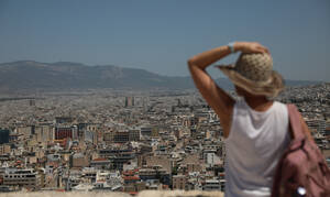 Καιρός: «Βράζει» όλη η Ελλάδα - Πότε υποχωρεί ο καύσωνας - Πού θα βρέξει