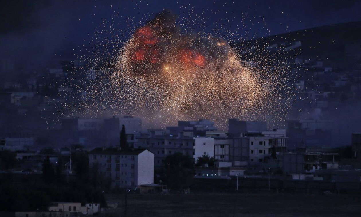 Συρία: 13 άμαχοι σκοτώθηκαν σε βομβαρδισμούς στην Ιντλίμπ
