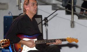 Θλίψη: Πέθανε ο κορυφαίος κιθαρίστας των Socrates Γιάννης Σπάθας