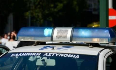 Θρίλερ στην Θήβα: 28χρονος βρέθηκε μαχαιρωμένος στο σπίτι του