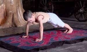 Video: Απίθανος πιτσιρικάς έκανε 2 ώρες push ups και κέρδισε διαμέρισμα!