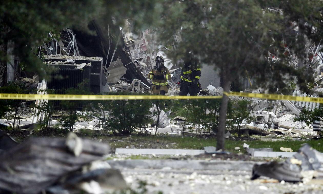 Έκρηξη στη Φλόριντα: Οι πρώτες εικόνες από το «βομβαρδισμένο» εμπορικό κέντρο (pics)