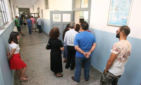 Εκλογές 2019: Στις κάλπες συρρέουν οι Έλληνες – Χωρίς προβλήματα η εκλογική διαδικασία