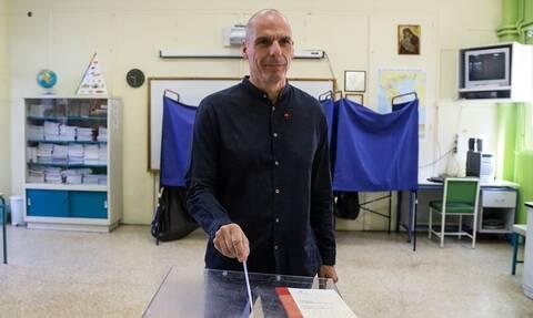 Εκλογές 2019 – Βαρουφάκης: Συγχαρητήρια σε όσους σηκώνονται από τον καναπέ και ψηφίζουν