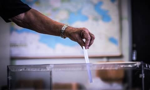 Αποτελέσματα Εκλογών 2019: Ο... ψηφοφόρος που έκλεψε την παράσταση - Δείτε γιατί (pics)