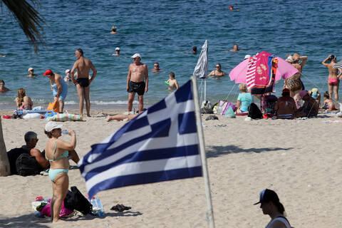 Εκλογές 2019: Οι κάτοικοι της Αττικής «ψηφίζουν» παραλία (pics)