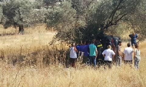 Τραγωδία στη Ρόδο: Νεκρός οδηγός Ι.Χ. που «καρφώθηκε» σε δένδρο (pics)