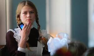 Опрос: почти половина россиян не поддерживает идею с запретом смартфонов в школе