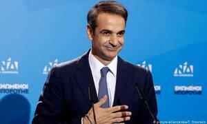Мицотакис принимает поздравления с победой на выборах
