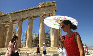 Heatwave in central and southern Greece; rainstorms in the north