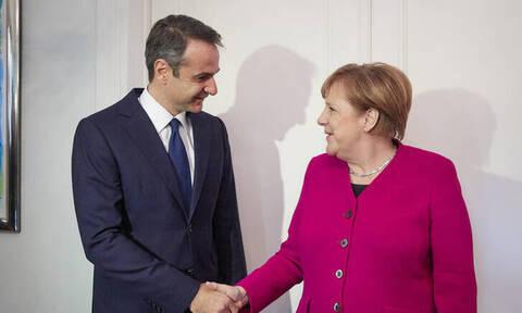 Στο Βερολίνο ο Μητσοτάκης τον Αύγουστο - Θα συναντηθεί με την Μέρκελ