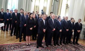 Εντολή Μητσοτάκη σε υπουργούς: Καμιά πρόσληψη συγγενή – Μειώνονται γραμματείες και μετακλητοί