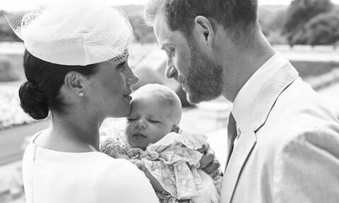 Harry-Meghan Markle: Η φωτό της βάφτισης τους είχε την πιο γλυκιά αναφορά στη Diana