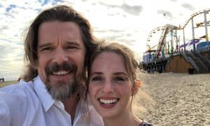H κόρη του Ethan Hawke έγινε πρωταγωνίστρια στη σειρά Stranger Things