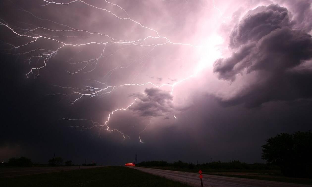 Καιρός: Προσοχή! Ισχυρές καταιγίδες τις επόμενες ώρες - Προειδοποίηση Σάκη Αρναούτογλου