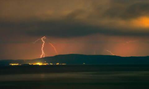 «Χάθηκε» η Βόρεια Ελλάδα - Έτσι κατέγραψε ο δορυφόρος τη φονική κακοκαιρία στη Χαλκιδική (pic)