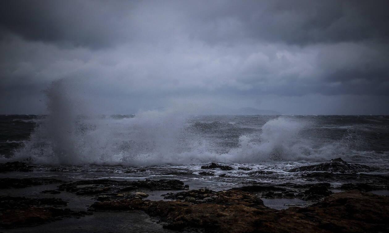 Φονική κακοκαιρία στη Χαλκιδική: Αγνοείται ψαράς στη Νέα Καλλικράτεια