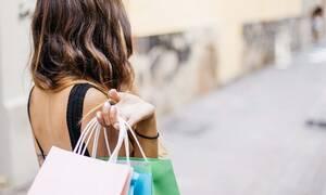 Θερινές εκπτώσεις 2019: Ανοιχτά την Κυριακή (14/7) τα καταστήματα - Δείτε ωράριο λειτουργίας