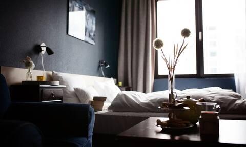 Τα δικαιώματα όσων διαμένουν σε ξενοδοχεία στις διακοπές τους