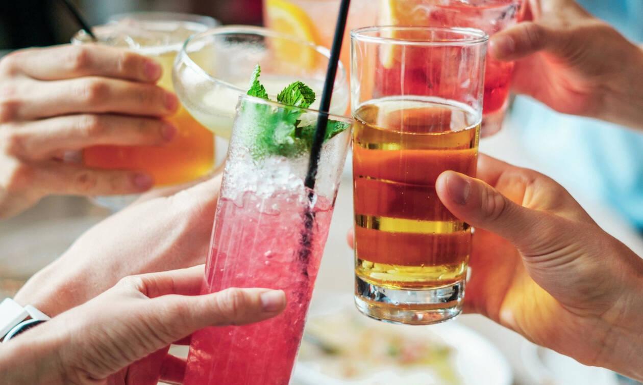 Γιατί δεν πρέπει να πίνουμε αλκοόλ μπροστά στα παιδιά μας
