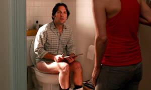 Παίρνεις μαζί το κινητό στην τουαλέτα; Σταμάτα το αμέσως! (pics+vid)