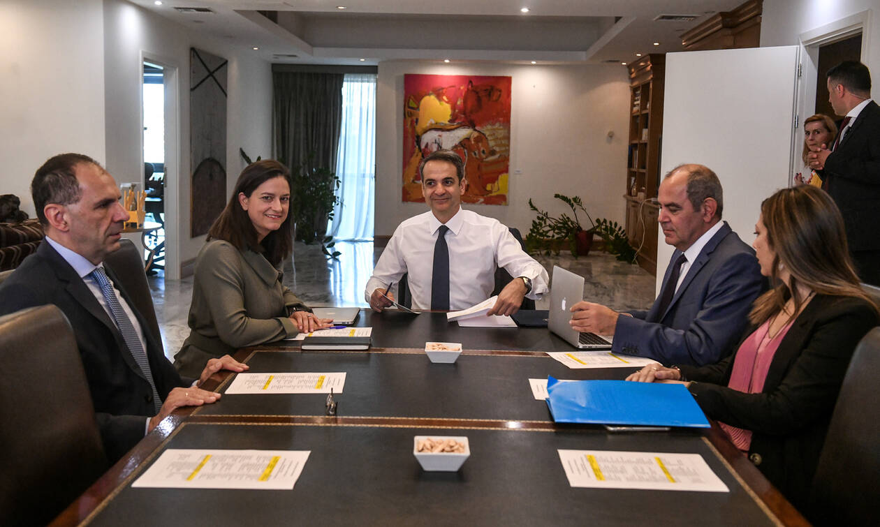 PM Mitsotakis: Education is an important political priority
