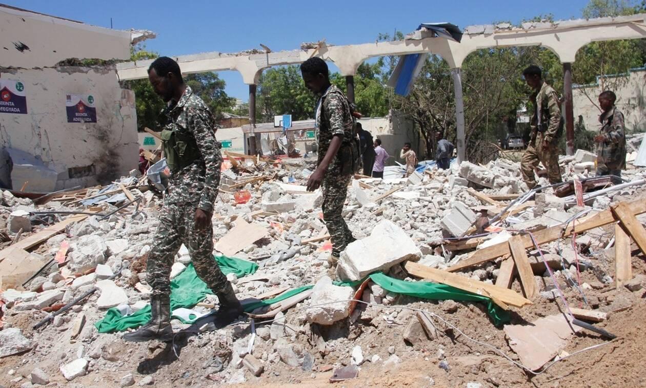 Σομαλία: Τουλάχιστον 12 νεκροί από βόμβα σε ξενοδοχείο - Δύο δημοσιογράφοι ανάμεσα στα θύματα