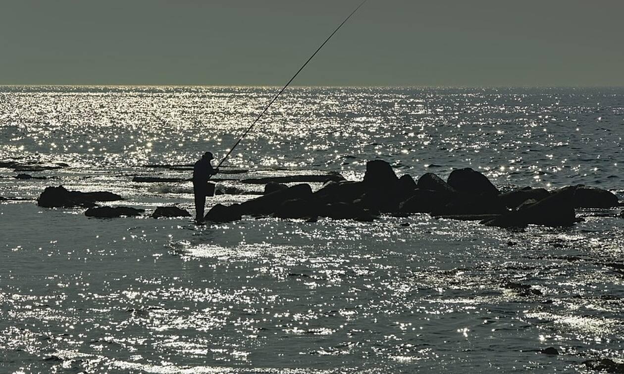 Κρήτη: Εφιάλτης για ψαρά - Σήκωσε τα δίχτυα και αντίκρισε τον τρόμο