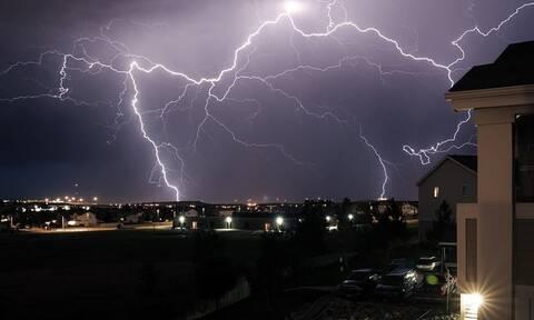 Καιρός - ΕΜΥ: Έκτακτο δελτίο επικίνδυνων καιρικών φαινομένων - Έρχονται καταιγίδες και χαλαζοπτώσεις