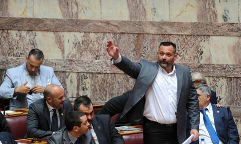 Πόλεμος στη ΧΑ: Παραιτήθηκε ο Λαγός, την έδρα ζητά ο Μιχαλολιάκος – Ποιοι εγκαταλείπουν το κόμμα