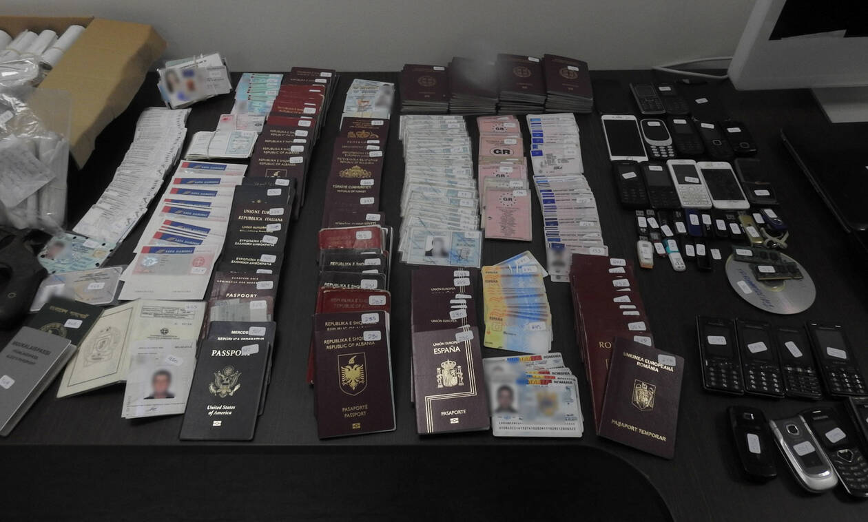 Police uncover document-forging workshop in Ilioupolis, arrest one