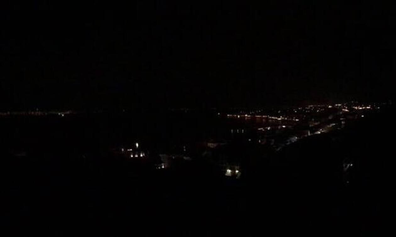 Καιρός: Μπλακ άουτ στη Ναύπακτο λόγω της σφοδρής κακοκαιρίας