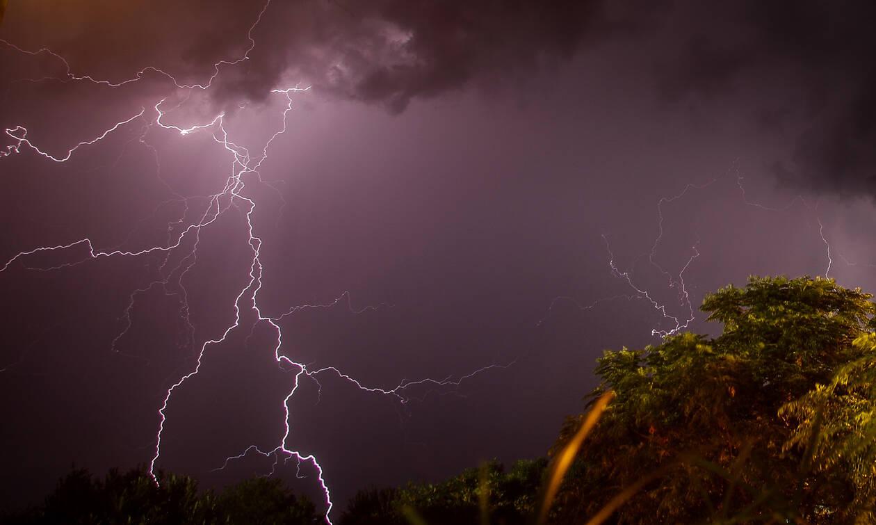 Κακοκαιρία: Έρχεται ο «Αντίνοος» - Θα σαρώσει την Ελλάδα με ισχυρές καταιγίδες και χαλάζι