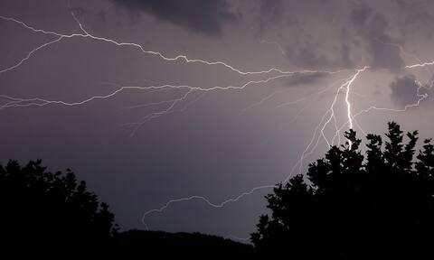 Καιρός: Έρχεται ο «Αντίνοος» με καταιγίδες και χαλάζι - Πού θα χτυπήσουν τα έντονα φαινόμενα