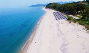 Η παραλία με το μοναδικό βράχο Μονολίθι στην Πρέβεζα (vid)