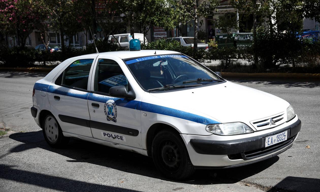 Πανικός στη Λάρισα: Μπήκαν στην αυλή του και «πάγωσαν» οι αστυνομικοί