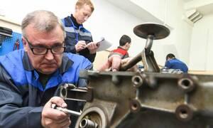 Роструд: порядка 76% россиян считают эффективным переобучение людей старшего возраста