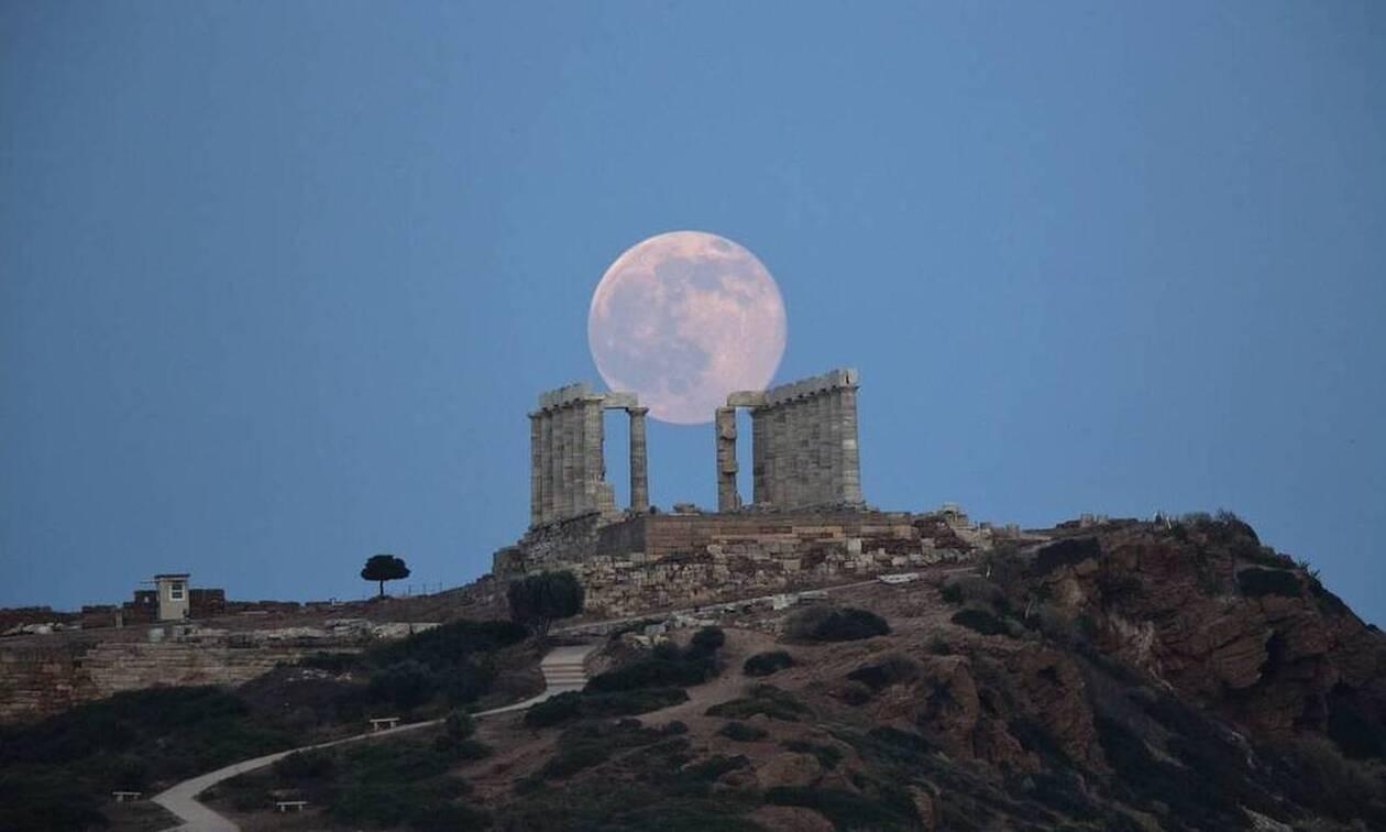 Жители Греции сегодня вечером смогут наблюдать лунное затмение