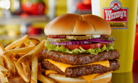Πάθαμε πλάκα: To μεγάλο μυστικό για το διάσημο fast food και το μπέργκερ του!