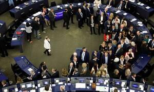 Σε εξέλιξη η ψηφοφορία για την προεδρία της Κομισιόν
