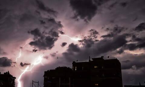 Καιρός - Έκτακτο δελτίο ΕΜΥ: Σαρώνει τη χώρα ο «Αντίνοος» - Πότε θα επιστρέψει το καλοκαίρι (pics)