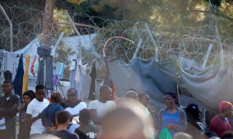 «Φάμπρικα» έδινε ψεύτικες ιατρικές βεβαιώσεις σε πρόσφυγες - Χειροπέδες σε πέντε άτομα