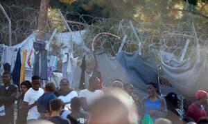 Φάμπρικα έδινε ψεύτικες ιατρικές βεβαιώσεις σε πρόσφυγες - Χειροπέδες σε πέντε άτομα