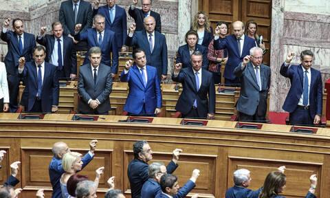 Νέα Δημοκρατία: Nέα πρόσωπα το 37% των κυβερνητικών βουλευτών