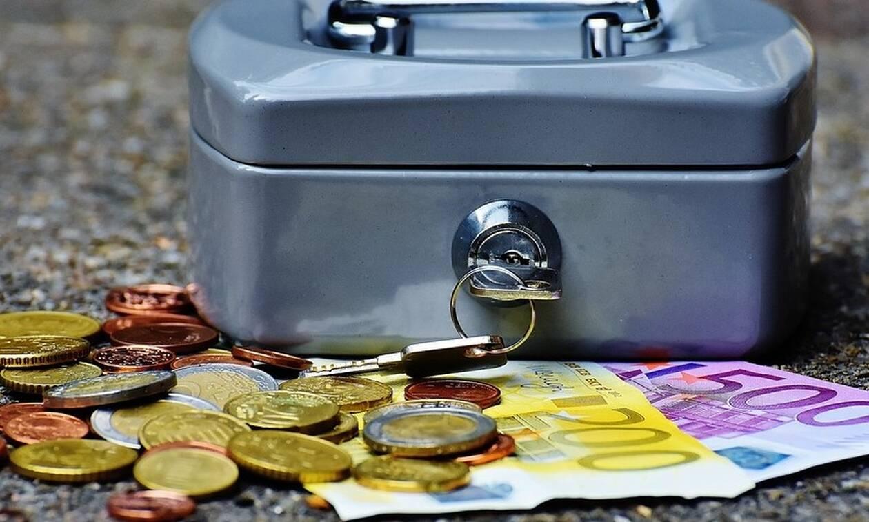 120 δόσεις: Οι αλλαγές για χρέη στην Εφορία - «Ανάσα» για τους μικροοφειλέτες