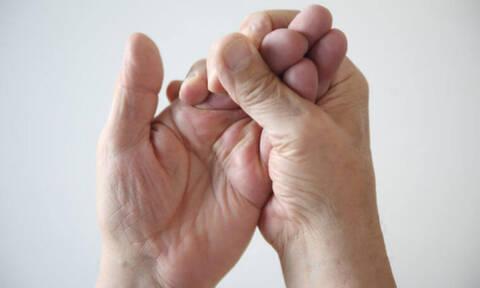 Προβλήματα υγείας που φαίνονται στα χέρια (video)