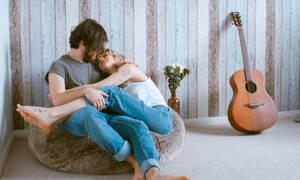 «Σεξουαλικά ενεργή»: Τι ακριβώς σημαίνει αυτή η ερώτηση που σου έκανε ο γυναικολόγος