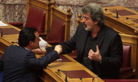 Μάχη για τις κατσαρίδες στο εντευκτήριο της Βουλής με τον Άδωνι... κυανόκρανο