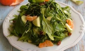Δροσιστική πράσινη σαλάτα με μανταρίνι